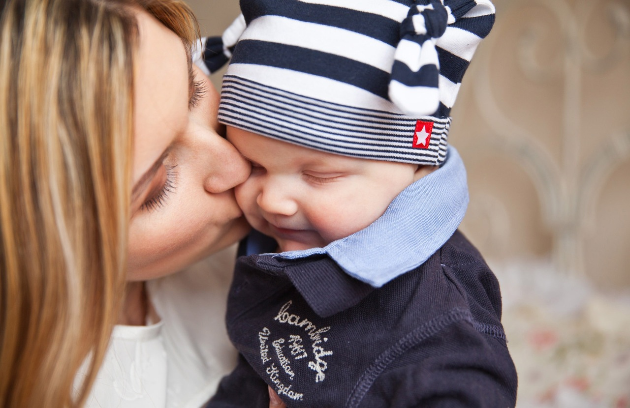 baby-baby-with-mom-mother-kiss-tenderness-67663-1
